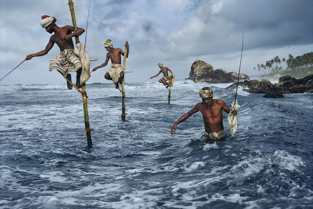 McCurry_Sri Lanka_ Pescatori_Weligama_1995